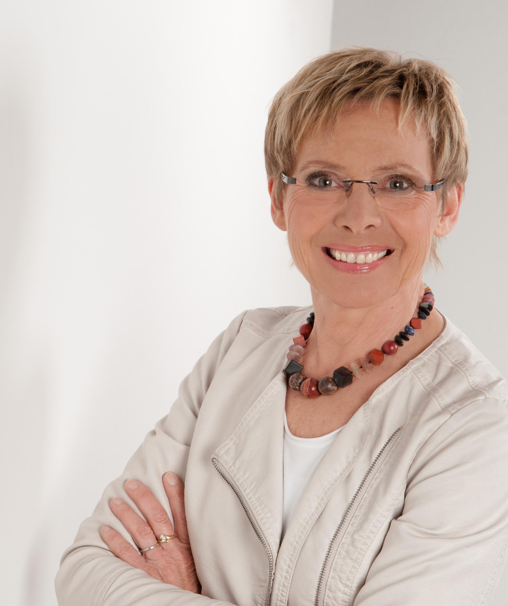 Helga Lange